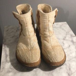 •UGG Australia• Women's shorty boots